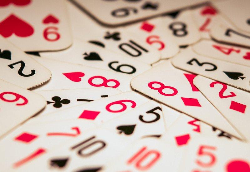 Генератор на случайни числа - карти